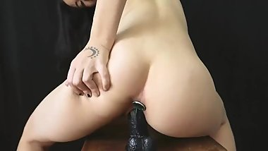 Buttplug and dildo stretch