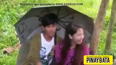 Pinay quickie outside of school ( pinay outdoor sex ) public blowjob