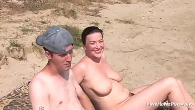 Threesome in Beach Amatuer Asian Mature Milf With Big Tits and Ass