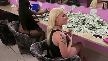 Vegas strippers show they make bank bad girls club YouTube re-upload