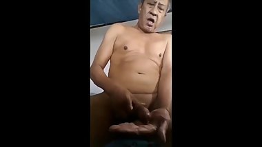 ASIAN OLD MAN SOLO2